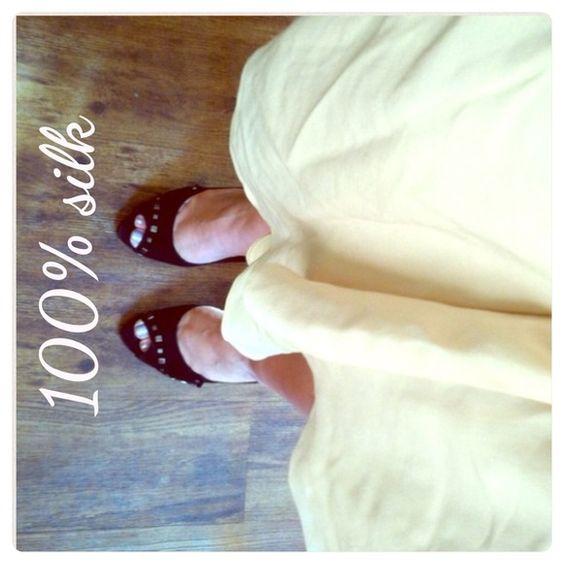 ZARA Cream Silk Skirt NWT Beautiful 100% silk skirt by ZARA - flowy fully lined - hit at knee! ⚠️REDUCED $45 TO $30⚠️ Zara Skirts