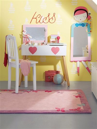 kinderzimmerteppich mit schmetterlingen aus baumwolle fr hjahr sommer 2015 kinderzimmer. Black Bedroom Furniture Sets. Home Design Ideas