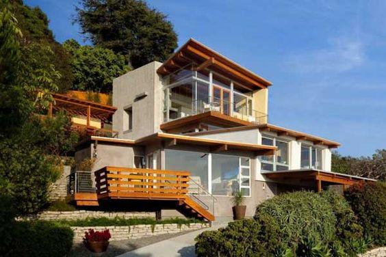 Contemporary Beach Cottage Overlooking Laguna Beach
