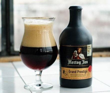 Kết quả hình ảnh cho Bia Sứ Hertog Jan Prestige 10,5% Hà Lan