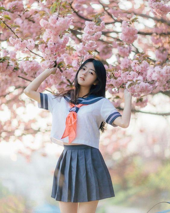 櫻花樹下的 #水手服 #制服美少女》#Cute #Girl #Pretty #Girls #漂亮 #可愛 #青春活力