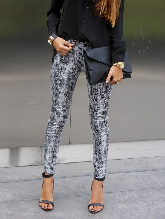 Python print + black + gorgeous clutch and sleek shoe