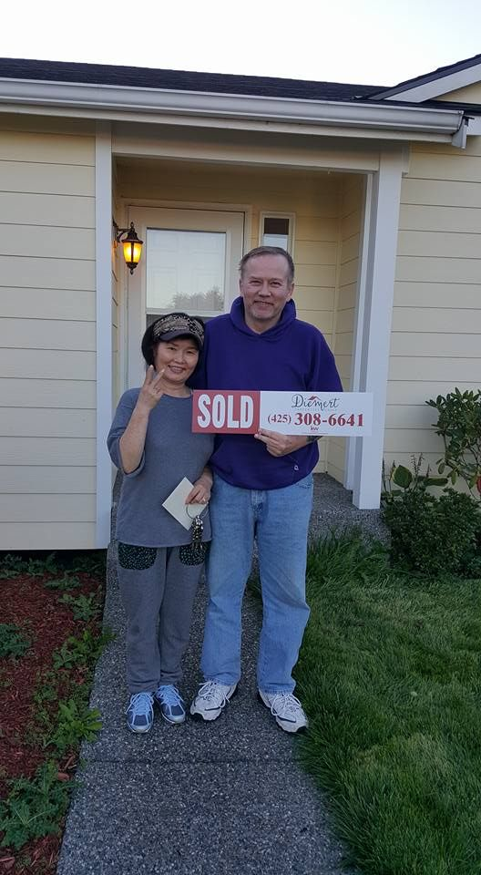 Lara Fernandez, Tracie Diemert, Ginger Paterno and Bob all worked together and we got our fantastic buyers into their new home!! Renters for way to long, gave up on many agents that couldn't help and this beautiful couple trusted us to help...and the dream came true! You can be next! Happy buyers=happy us!! #DiemertPropertiesGroup #MakingDreamsComeTrue #HappyHomeOwners