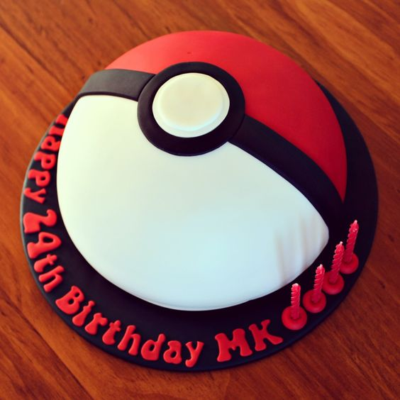 pokeball cake birthdays pinterest maman impressionnant et g teaux. Black Bedroom Furniture Sets. Home Design Ideas