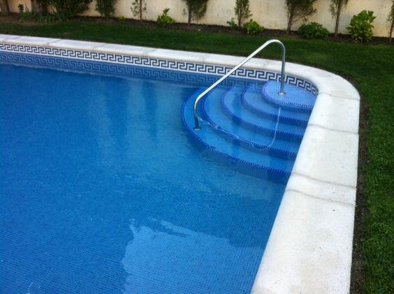 Construcci n de piscinas iguaz de escalera f cil acceso a for Jardin vertical mercadolibre