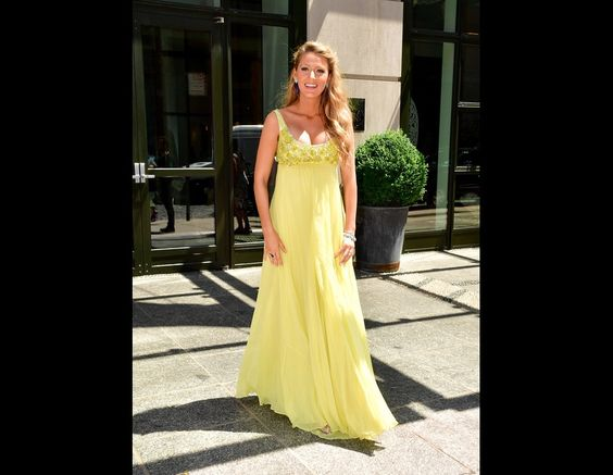 Blake Lively's Second Pregnancy Style | TooFab Photo Gallery