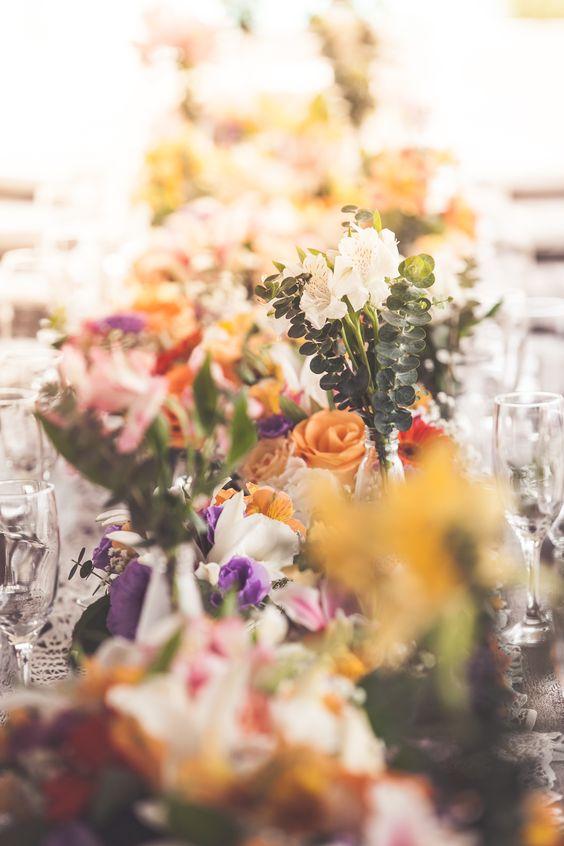 Casamento na praia: mesa coletiva da família.