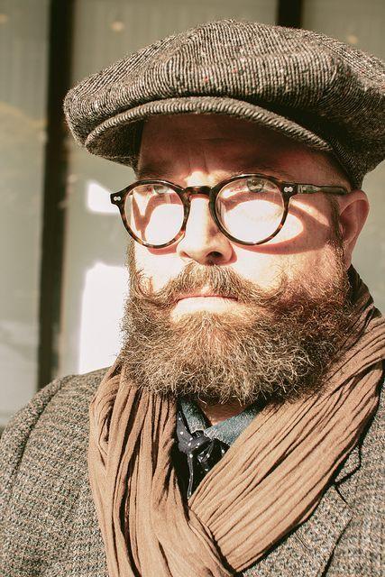 male wearing MOSCOT MILTZEN