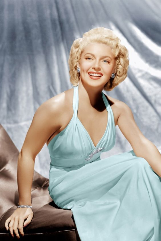 Lana Turner, 1943 ...and she knew all about the importance of diamonds.