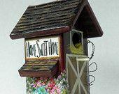 Braun Scheune Vogelhaus, Pferd in den Stall, Pick up mit Samen, Drahtseil, Lots of Flowers