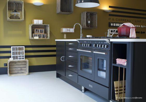 Cubex Keuken De Koninck : Gerestaureerde Cubex in de toonzaal van P & Carreau-Line @ work