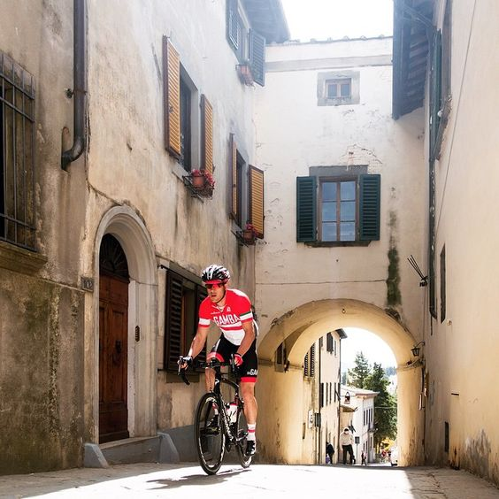 """""""We've had an amazing pre-Giro hide away time in Lecchi with @ingambatours. Now, it's time to emerge back into the real world - there's a Grand Tour to…"""""""