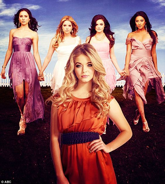 Troian Bellisario(Spencer Hastings), Ashley Benson(Hannah Marin), Lucy Hale(Aria Montgomery), Shay Mitchell(Emily Fields), Sasha Pieterse(Alison DiLaurentis) - Pretty Little Liars #PLL