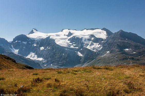 https://flic.kr/p/wR1DBm | L'Albaron (3637 m) | A gauche l'Albaron, puis les Pointes du Grand Fond et enfin la Pointe d'Andagne (3217m). On voit aussi dans sa longueur le Glacier Supérieur du Vallonnet.  Massif des Alpes Grées (Alpes françaises) - Savoie, Rhône-Alpes, France.  (07/2015) © Quentin Douchet.