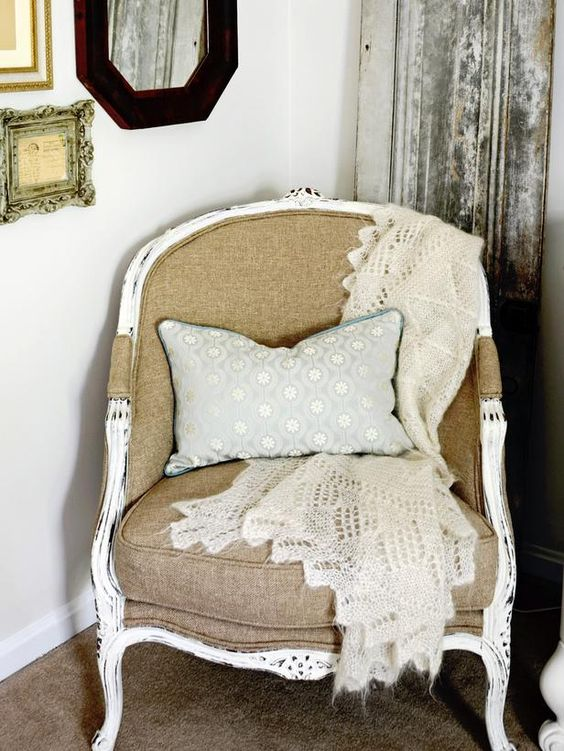 Bring Character to a Bedroom With Thrifty Finds : Rooms : Home & Garden Television