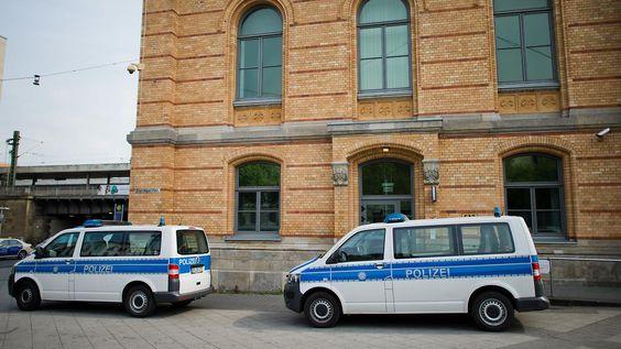 Attacke auf Polizisten in Hannover: 16-jährige IS-Sympathisantin angeklagt