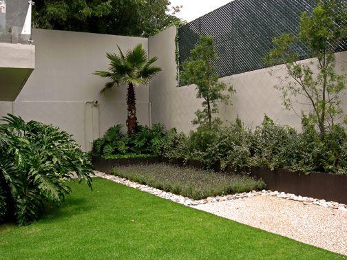 como arreglar un jardin con material reciclado buscar