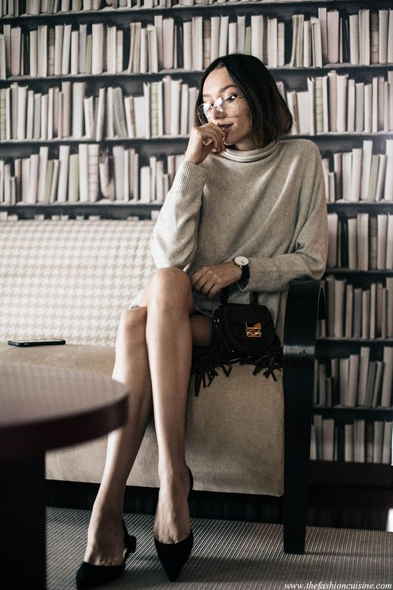 Fashion blogger Beatrice Gutu wear a grey cashmere turtleneck with geek glasses sporting 70s fall trend with Paul Andrew pointed flats