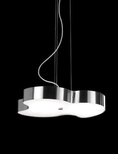 Lámpara colgante DONA disponible en varios acabados y distintas fuentes de luz. Visite nuestra web para más información.