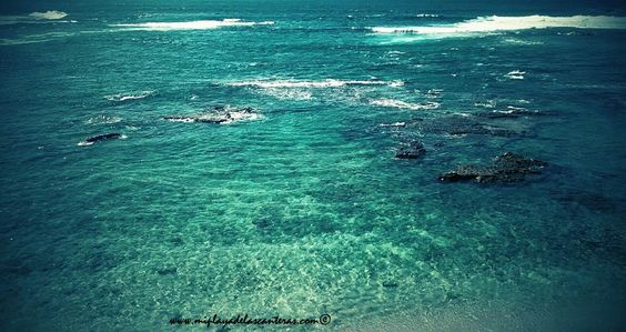 Aguas verdes. Playa de Las Canteras. Gran Canaria.