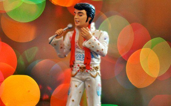 Não sei se Elvis morreu, mas tenho certeza que ele fez músicas fodas