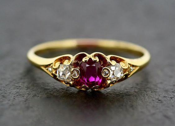 Antique Ruby Ring - Ruby victorien & 18 carats de diamants bague en or