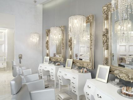 Modern Glamour!  I wonder if those are digital frames?  Yes/No/Maybe?  Regardless, digital frames are perfect for showing off a stylist's latest looks.