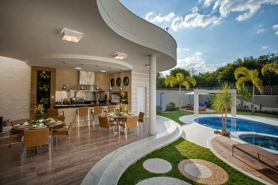 Navegue por fotos de Terraços : Casa Tripoli. Veja fotos com as melhores ideias e inspirações para criar uma casa perfeita.