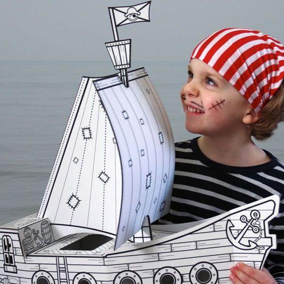 Magnifique bateau de pirate en carton monter soi m me et colorier selon ses envies montage - Fabriquer un chapeau de pirate ...