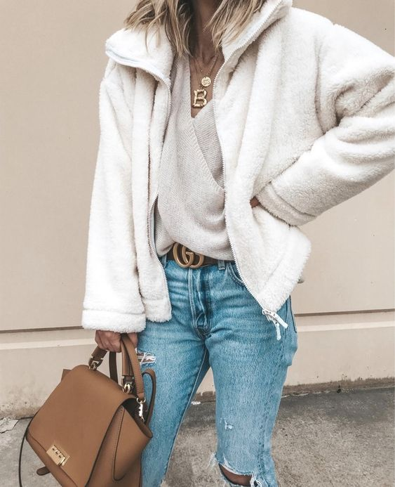 27+ Best Womens Coats To Steal From Fashion Bloggers: Image by ©️️️CellaJaneBlog #womenscoats #coatsforwomen #shearling #teddycoat ♥️ | Pinned by Zefinka.com