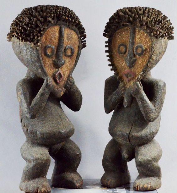 Mambila Tadep Pair. Cameroun. Both 45cm. Wood, pigment. Mid 20th century. Collection PD-Jipsinghuizen-NL