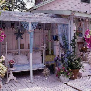 vintage bed for chillin'