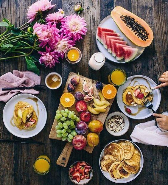 Bom dia!  Um café da manhã inspirador para começar a sexta-feira da melhor forma possível!  #morning #healthy #FhitsInspiration