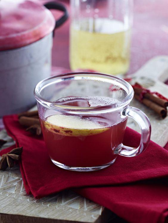 Unser beliebtes Rezept für Apfel-Glühwein und mehr als 55.000 weitere kostenlose Rezepte auf LECKER.de.