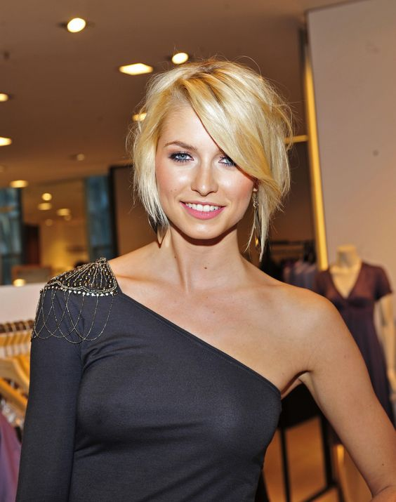 If I could pull off short hair, this would probably be it.#Repin By:Pinterest++ for iPad#