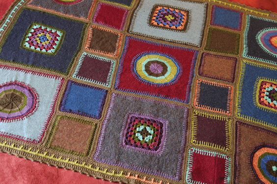 cute and homey blanket - free pattern - combines felt, embroidery, knit, and crochet!