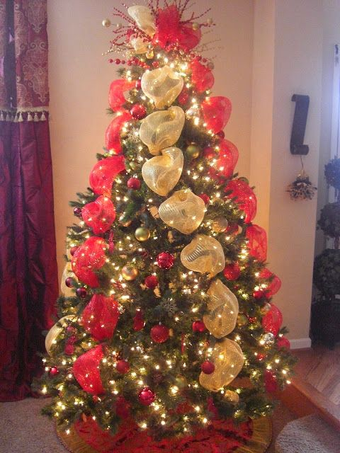 Decorate Christmas Tree With Bows : Mesh ribbon and ribbons on