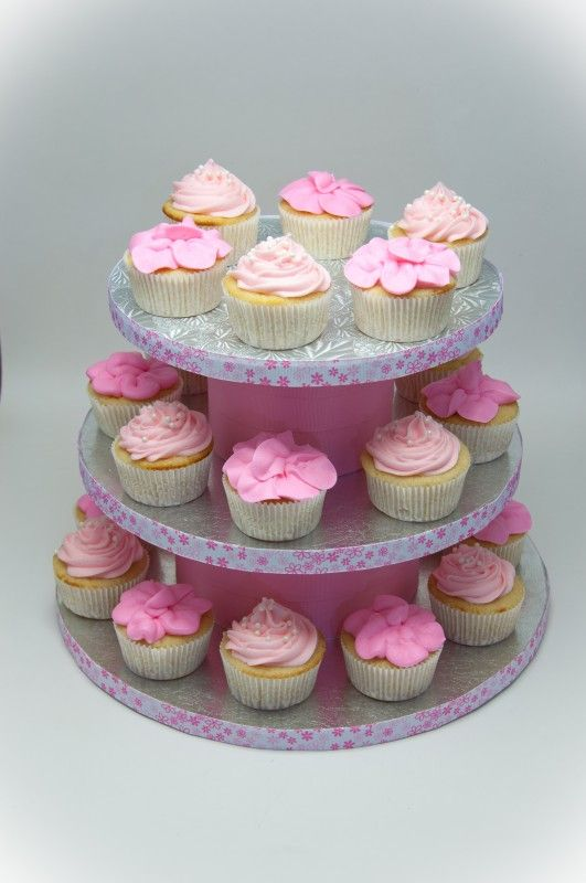 Baby Girl Cake Idea @Lynsee Bielick