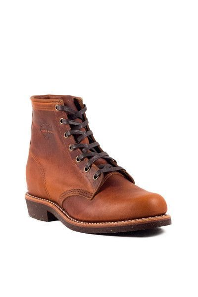 Dress em up or dress em down! These boots are for work or pleasure! The epitome of a boot, Chippewa has truly changed the market even today as a company that was founded in 1901, making boots for logg
