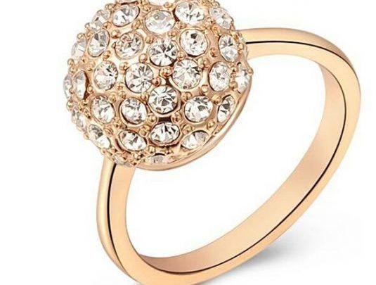 تفسير حلم الخاتم الذهب للمتزوجة والعزباء والحامل Crystal Rings Rings Cool Austrian Crystal