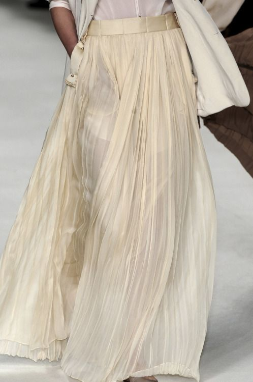 highqualityfashion:   Chloé FW 09