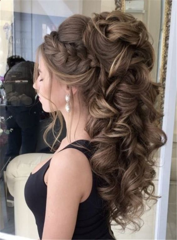 50 Attractive Wedding Hairstyles For Long Hair Mrs To Be Hair Styles Quince Hairstyles Medium Hair Styles