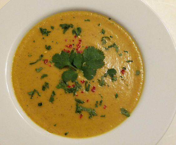 Rezept Süsskartoffel-Karotte-Kokos-Suppe von Schirmle - Rezept der Kategorie Suppen