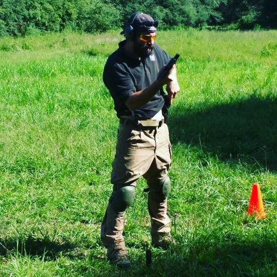 If you get a chance check out J Paisley and his training group. He's located in Georgia for classes. Green Beret 18D/18Z (ret) 5th SFG (A) 1st SFOD-D Former member CoTCCC 2016 National TACMED champion Combat vet turned chicken farmer WWW.CAGMAIN.COM. #DELTA #SOF #specialforces @jay_paisley @cagmain_1776 #pew #training