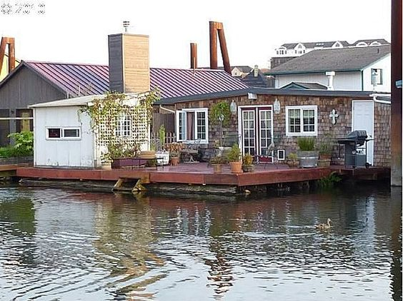 9 outrageous floating homes for sale floating homes Portland floating homes