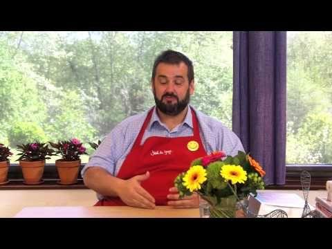 """El Club Campos entrevista a David de Jorge. Clip 3. El cocinero más gamberro de la tele nos cuenta que las conservas no sólo nos salvan el tipo sino que son """"un tesoro""""."""