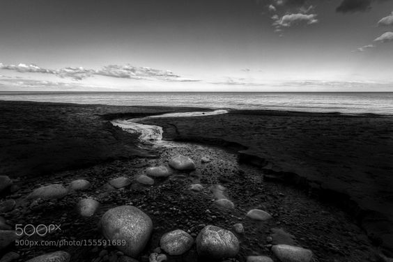 Towards the sea by mirzab