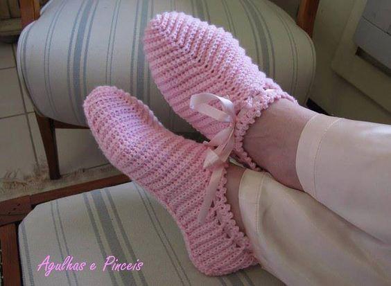 Sapatilha em crochet.