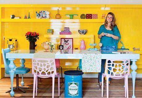 Para quem gosta de ousar! http://www.minhacasaminhacara.com.br/moveis-coloridos-vida-nova-para-o-seu-lar/#