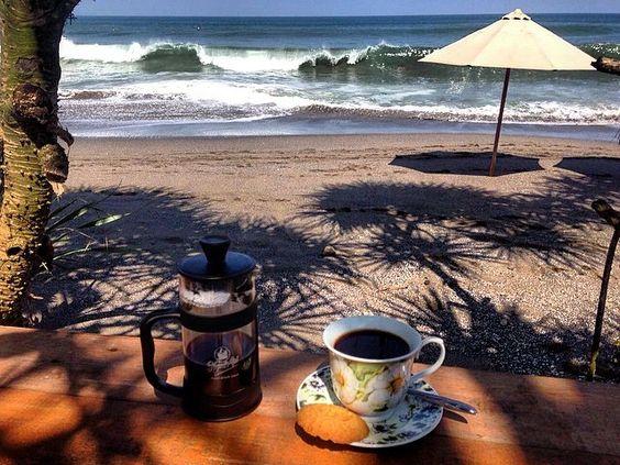 sovranointernational#Goodmorning #coffee at the #beach⛱ #bali #frenchpress ☕️ #sovranocoffeetour #sovranointernational